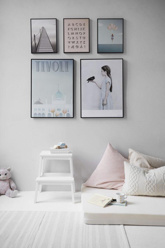 light bedroom decor