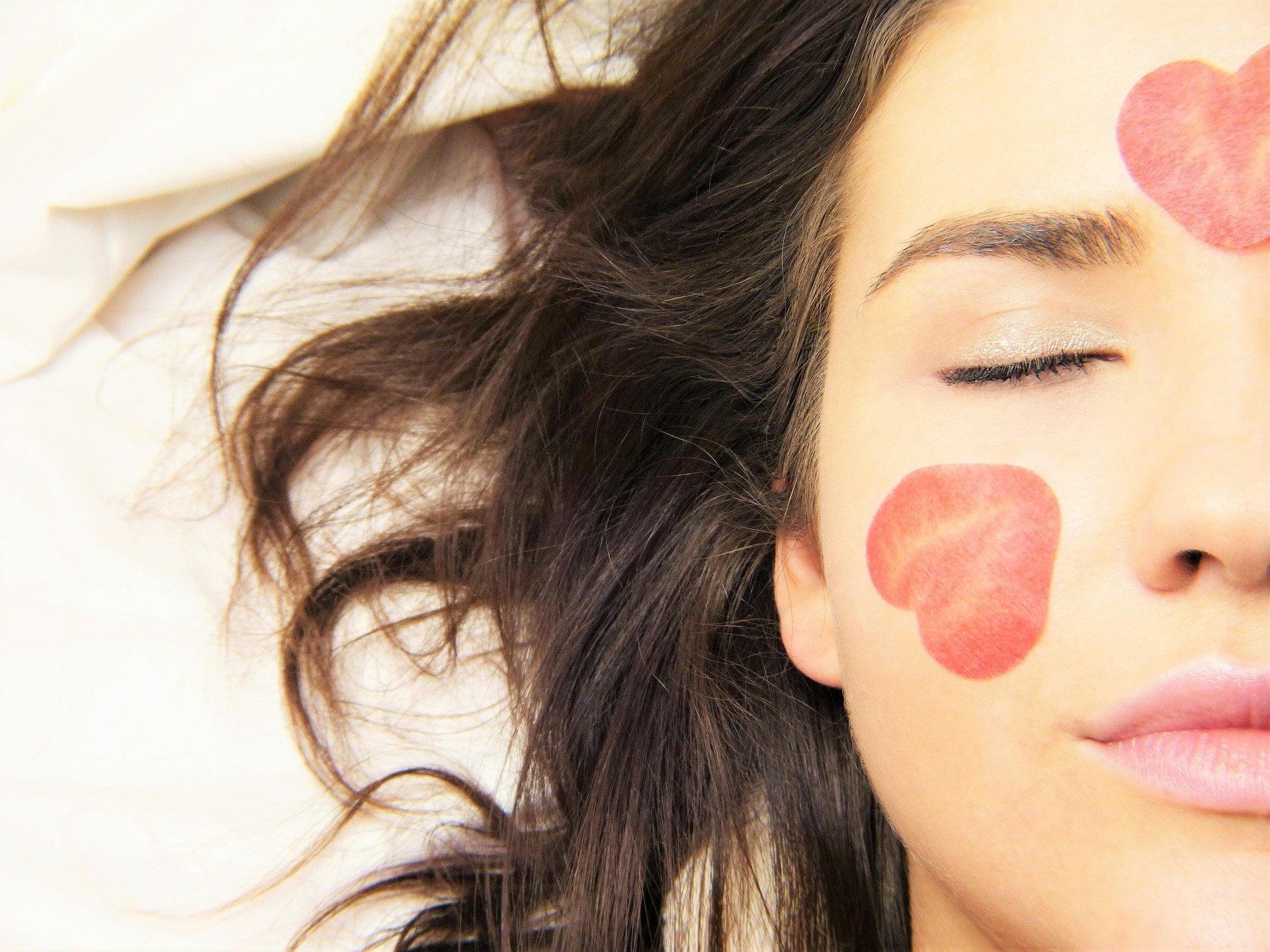 Keep Your Skin Moisturized to fix Crepey Skin